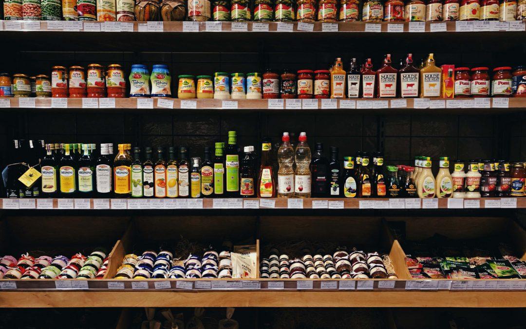 Off-the-Shelf versus Custom eCommerce Integration Solutions